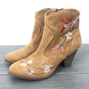 Diba floral flower embroidered heeled ankle boot faux suede size7 western boho